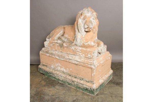 21: Monumental lion on pedestal