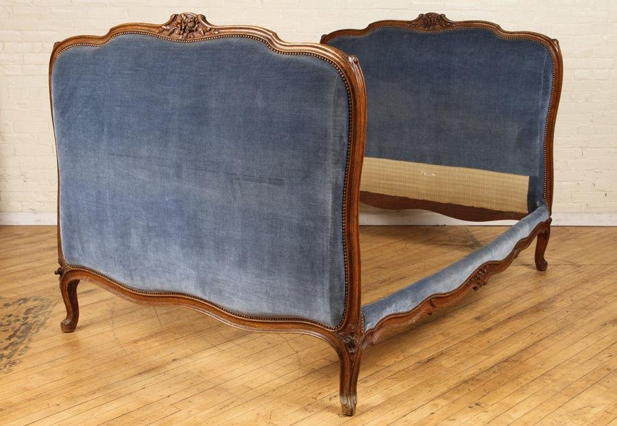 FRENCH LOUIS XV STYLE FULL SIZE DAYBED