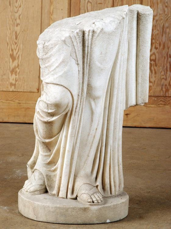 CARVED MARBLE GARDEN STATUE OF ROMAN FIGURE