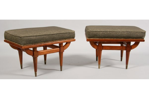 325: PAIR OF MODERN BENCHES WITH UPHOLSTERED TOPS