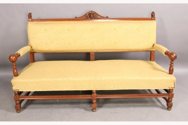 15: ANTIQUE EDWARDIAN CARVED MAHOGANY SETTEE