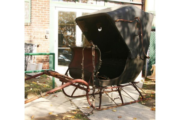 500: ANTIQUE DOCTOR CUTTER SLEIGH CARRIAGE HORSE DRAWN