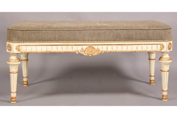 17: FRENCH LOUIS XVI STYLE CARVED PAINTED BENCH