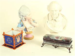 GROUPING OF 19TH CENTURY PORCELAIN OBJECTS