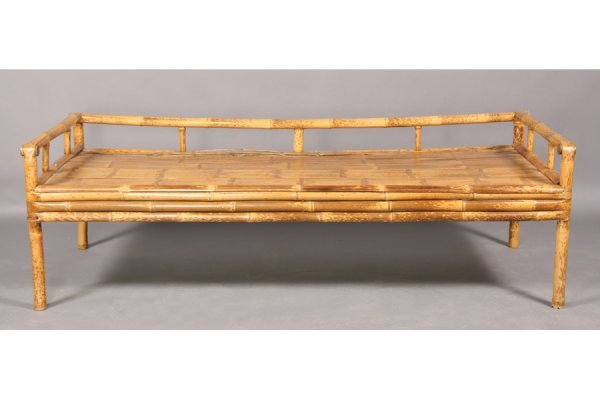 750: Bamboo daybed.