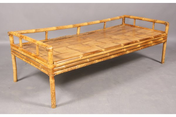 750: Bamboo daybed. - 2