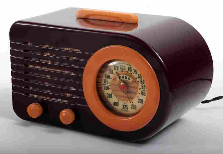 FADA MODEL 1000 ELECTRIC BAKELITE RADIO