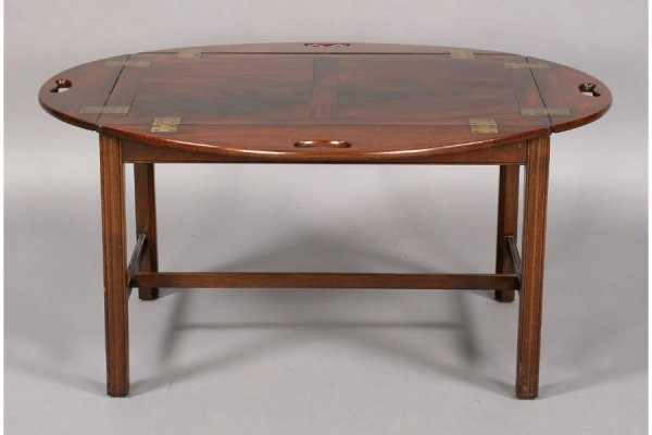 562: ANTIQUE ENGLISH MAHOGANY BUTLER TRAY COFFEE TABLE