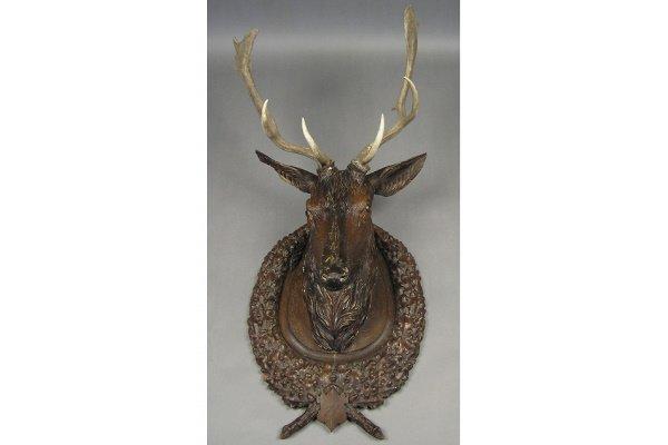 50101001: MONUMENTAL BLACK FOREST CARVED WOOD DEER HEAD