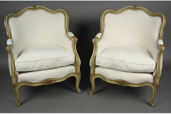 50101017:  LOUIS XV  CARVED PAINTED AND GILT BERGERES