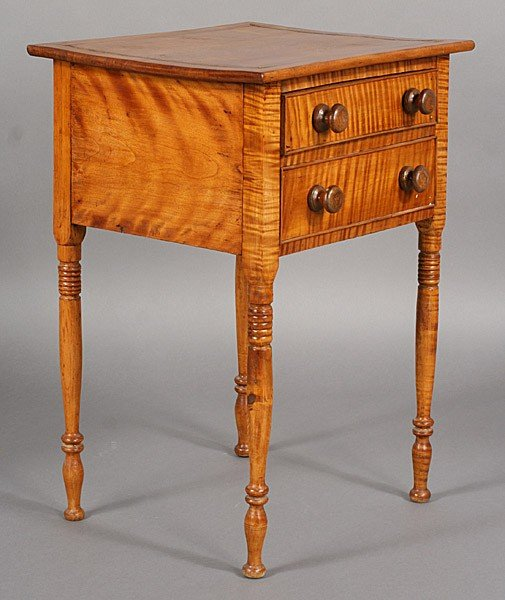 273: ANTIQUE AMERICAN TIGER MAPLE SHERATON STAND