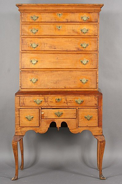 276: AMERICAN ANTIQUE QUEEN ANNE HIGHBOY CHEST