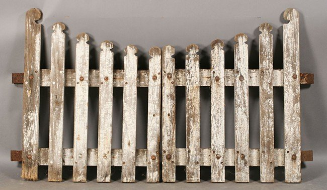 705: PAIR VINTAGE WOOD PICKET GARDEN GATES OLD PAINT