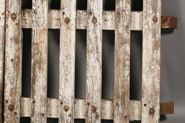 705: PAIR VINTAGE WOOD PICKET GARDEN GATES OLD PAINT - 3