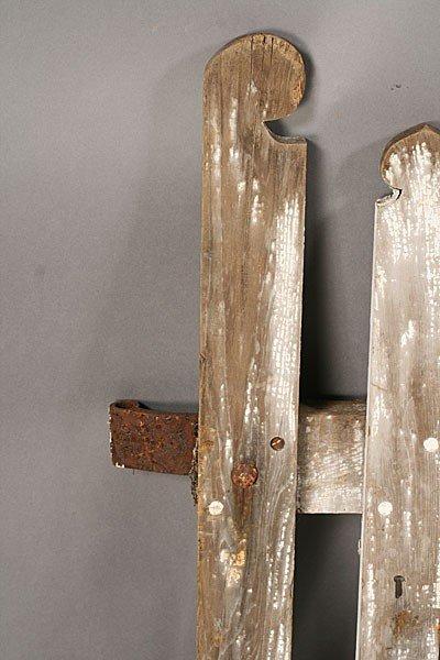 705: PAIR VINTAGE WOOD PICKET GARDEN GATES OLD PAINT - 4