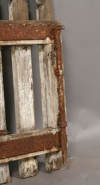 705: PAIR VINTAGE WOOD PICKET GARDEN GATES OLD PAINT - 7