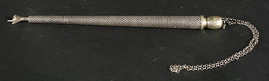 3: STERLING SILVER TORAH POINTER CHAIN MARKED 925