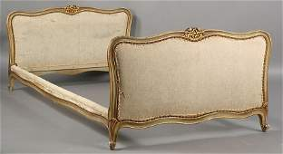 141A French Louis XV style giltwood and painted daybed