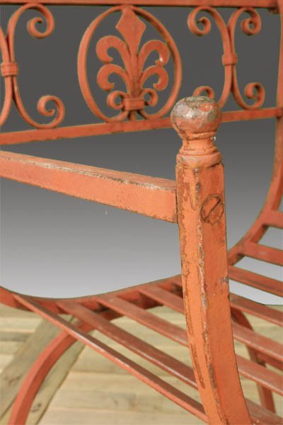29: WROUGHT IRON GARDEN CHAIR - 4