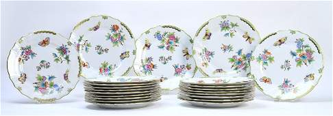 SET 22 HEREND QUEEN VICTORIA 10 DINNER PLATES