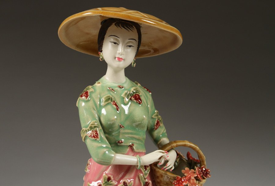 6 HANDPAINTED CHINESE PORCELAIN FIGURINES - 2