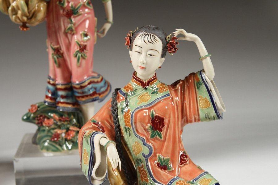 6 HANDPAINTED CHINESE PORCELAIN FIGURINES - 4