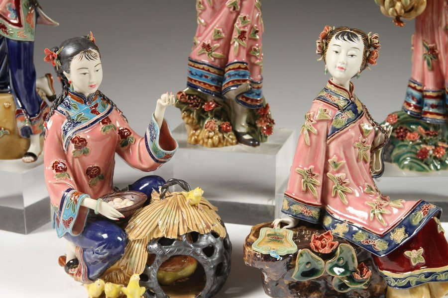 6 HANDPAINTED CHINESE PORCELAIN FIGURINES - 5