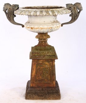 19TH CENT AMERICAN VICTORIAN CAST IRON GARDEN URN