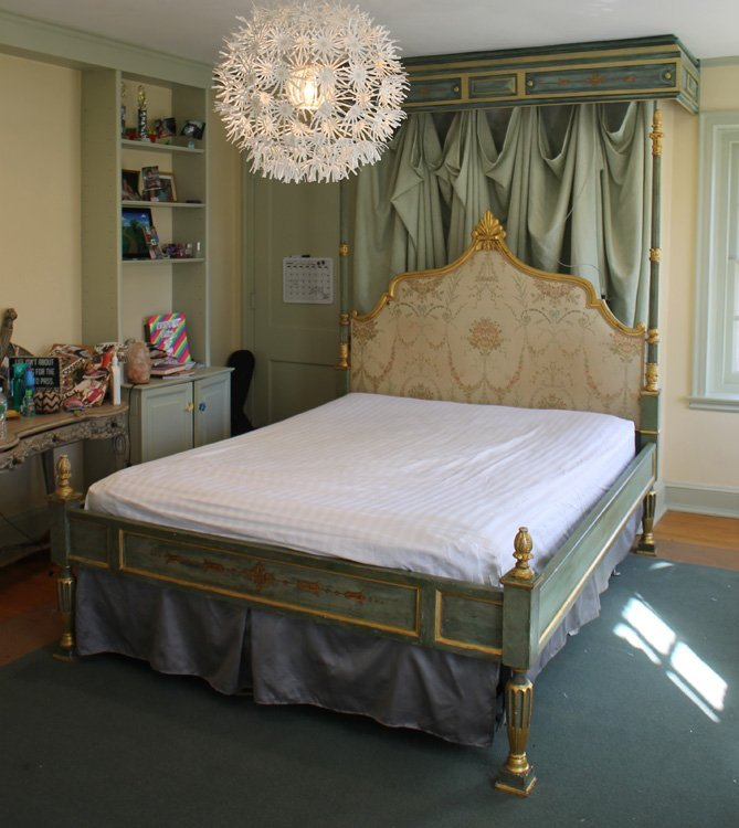 CONTINENTAL GILT CARVED PAINTED BED ASSEMBLE