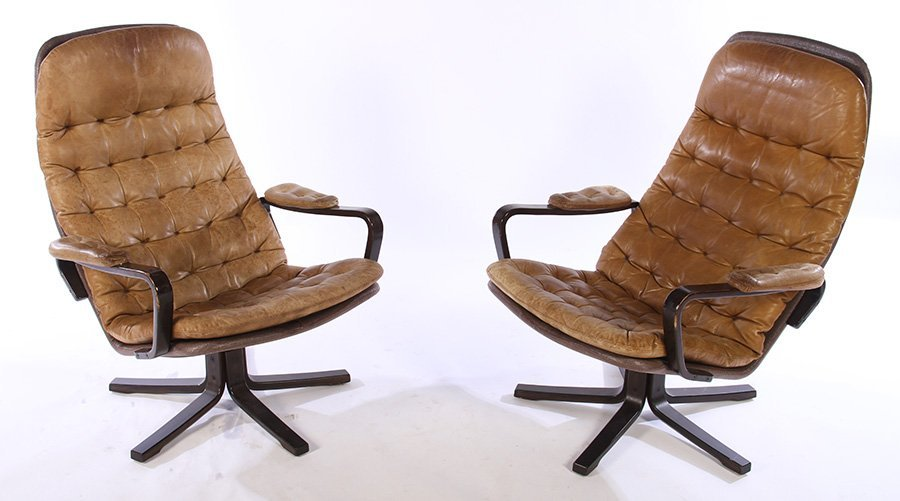 PAIR OF MID CENTURY MODERN LEATHER CHAIRS C.1970
