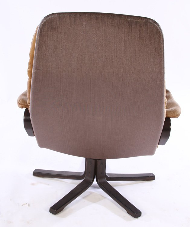 PAIR OF MID CENTURY MODERN LEATHER CHAIRS C.1970 - 4