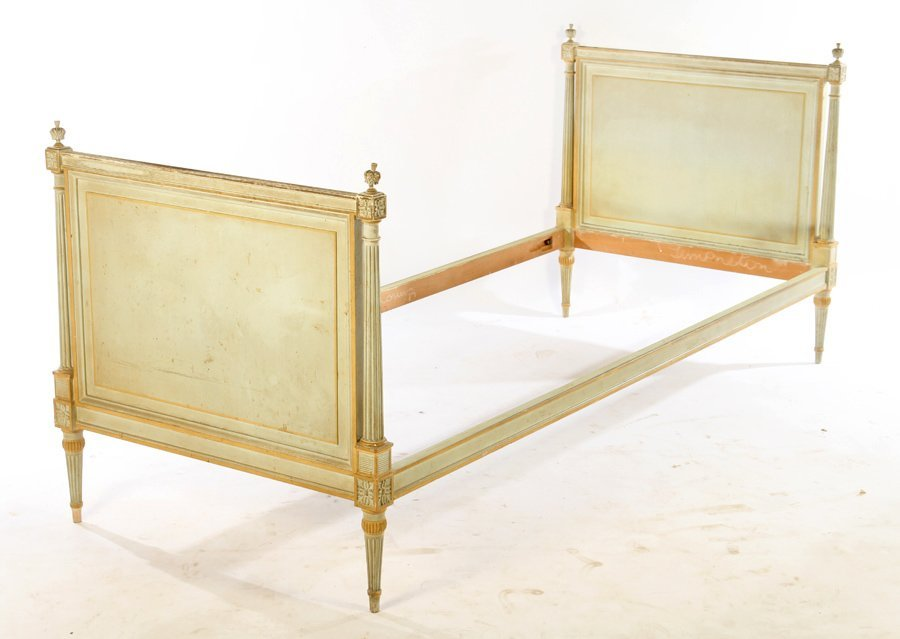 LOUIS XVI CARVED PAINTED DAYBED 1940