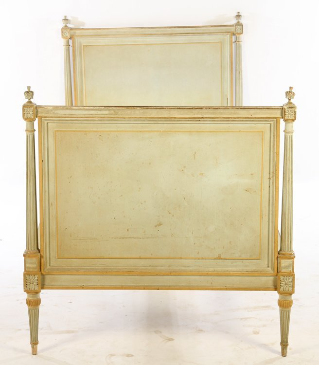LOUIS XVI CARVED PAINTED DAYBED 1940 - 2