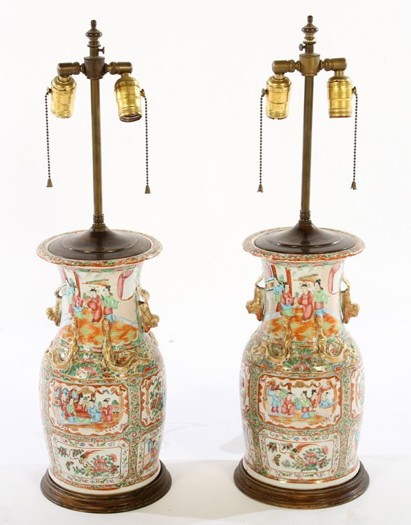 PAIR ASIAN CHINESE PORCELAIN TABLE LAMPS