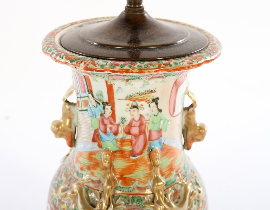 PAIR ASIAN CHINESE PORCELAIN TABLE LAMPS - 3