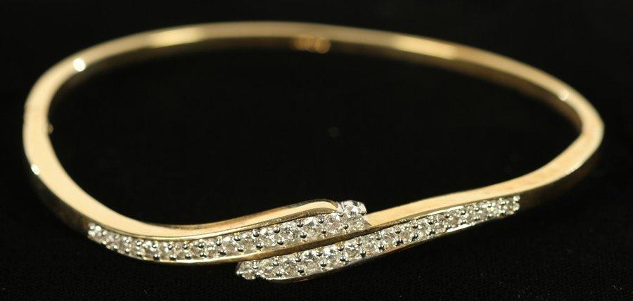 14 KARAT YELLOW GOLD/DIAMOND BANGLE 7.8 DWTS