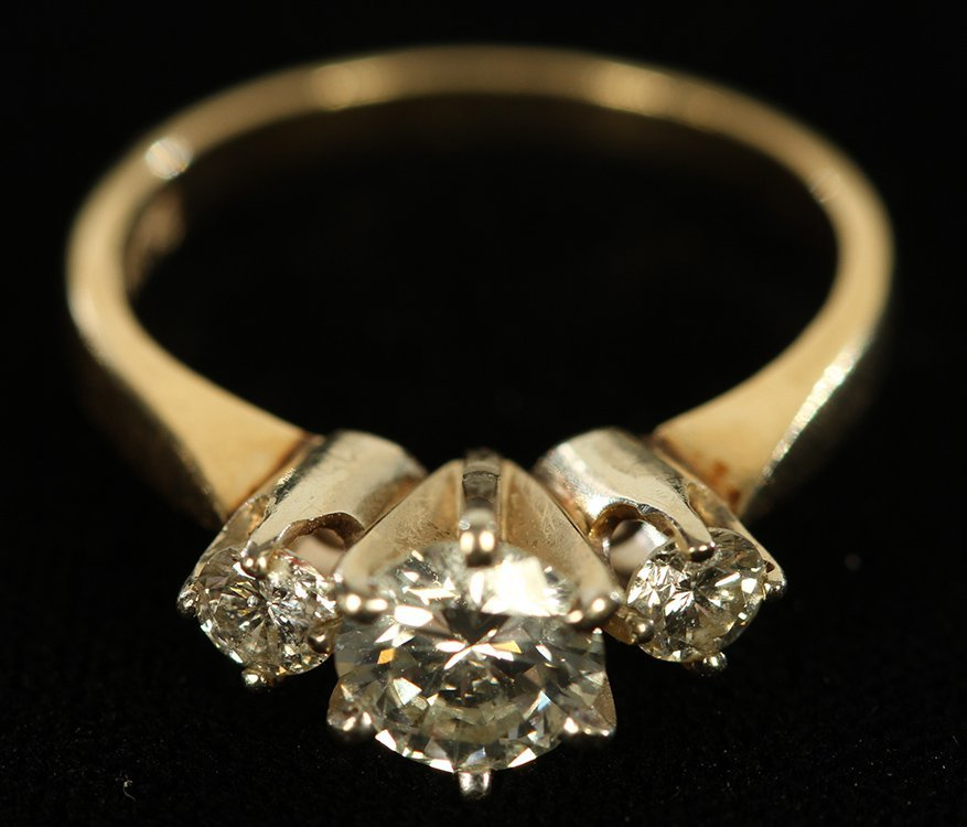 14K YELLOW GOLD 3 STONE DIAMOND RING 1.80 DWTS