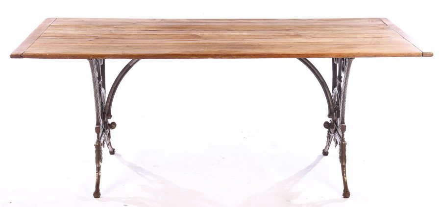ENGLISH CAST IRON GARDEN TABLE COLEBROOKDALE 1900 - 2