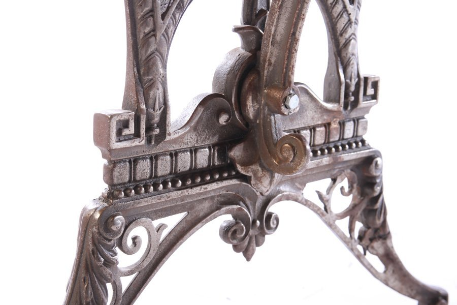 ENGLISH CAST IRON GARDEN TABLE COLEBROOKDALE 1900 - 6