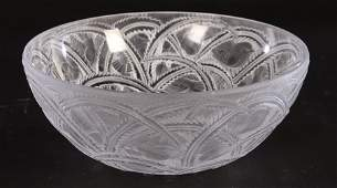"""LALIQUE """"PINSONS"""" CRYSTAL BOWL SIGNED ON BASE"""