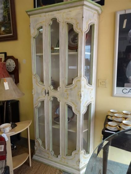 WHITE PAINTED DISPLAY CABINET WITH FLORAL DESIGNS,