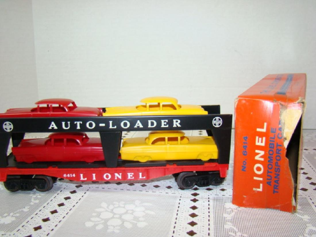 LIONEL TRAINS AUTOMOBILE TRANSPORT CAR WITH 4 CARS - 3