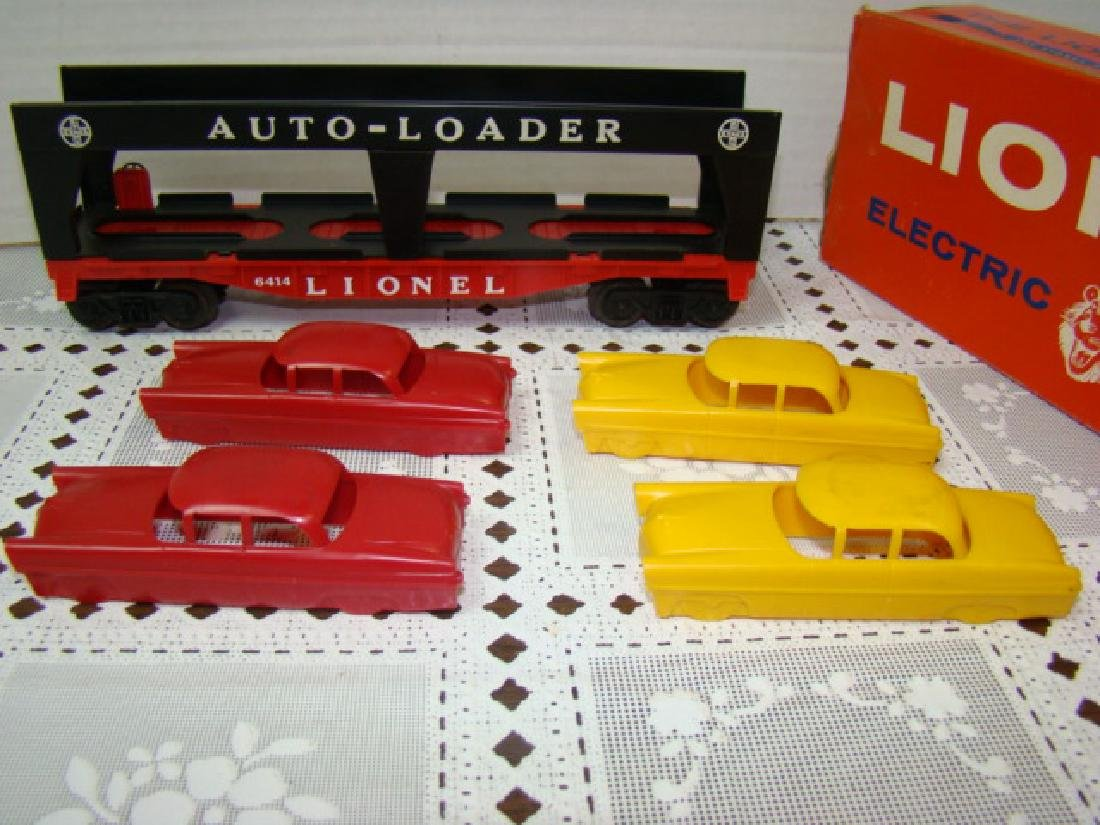 LIONEL TRAINS AUTOMOBILE TRANSPORT CAR WITH 4 CARS - 5