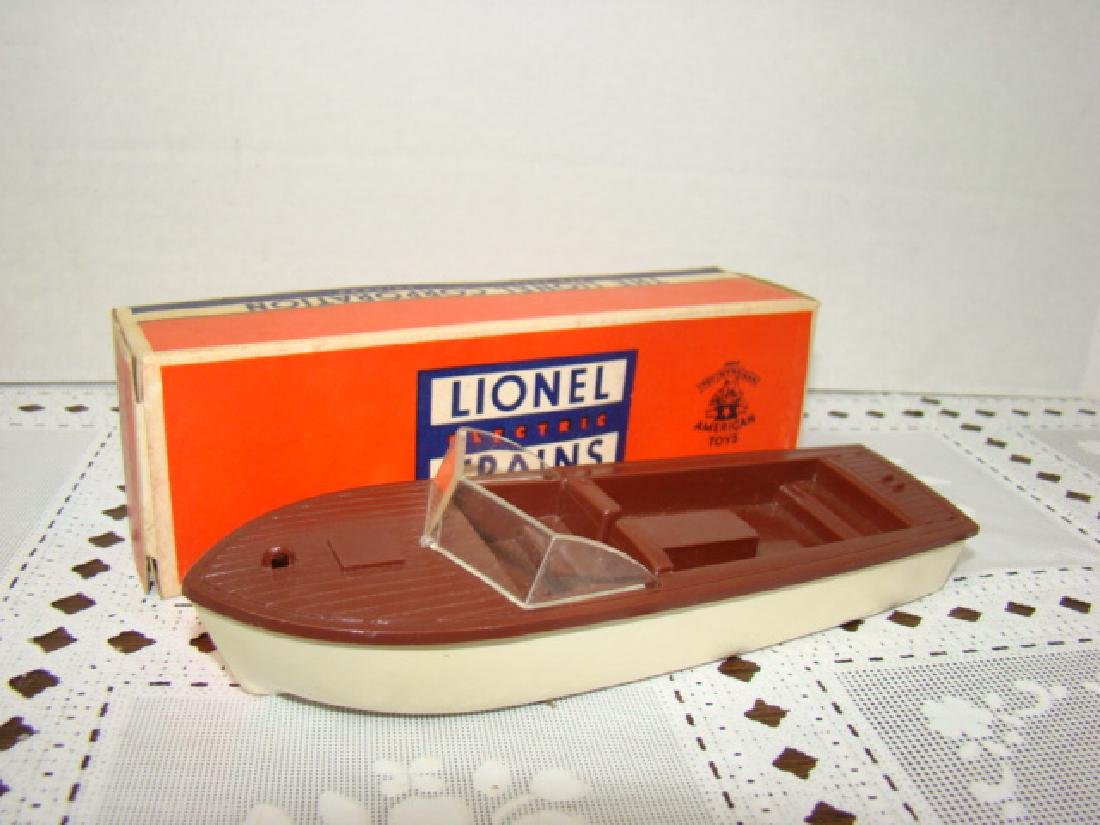 LIONEL TRAINS- BOAT IN ORIGINAL BOX