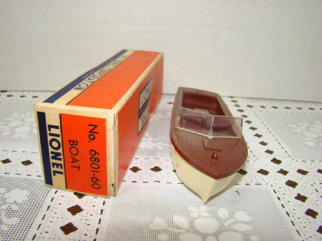 LIONEL TRAINS- BOAT IN ORIGINAL BOX - 2