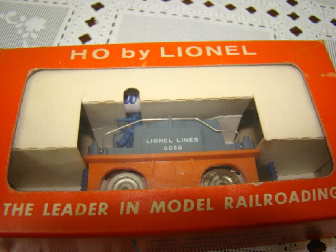 HO SCALE  ORANGE GANG CAR NIB BY LIONEL - 4