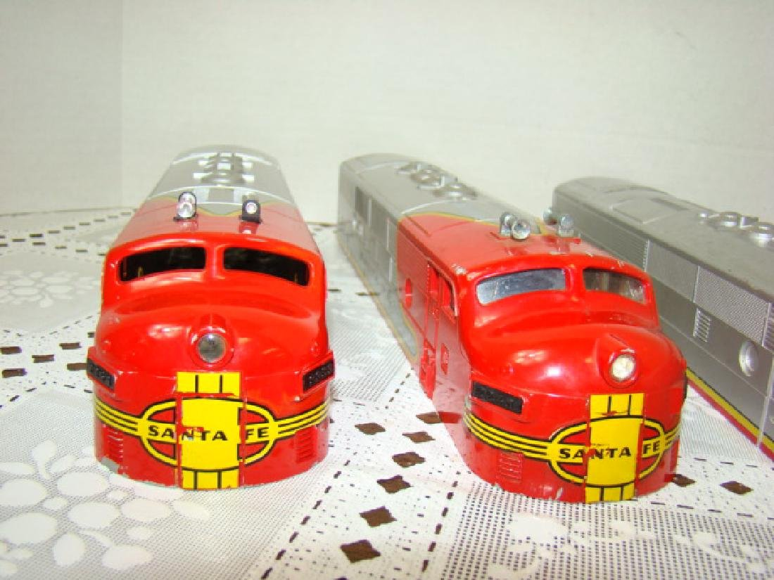 2 LIONEL TRAINS SANTA FE LOCOMOTIVE CAB CAPS & MOR - 2