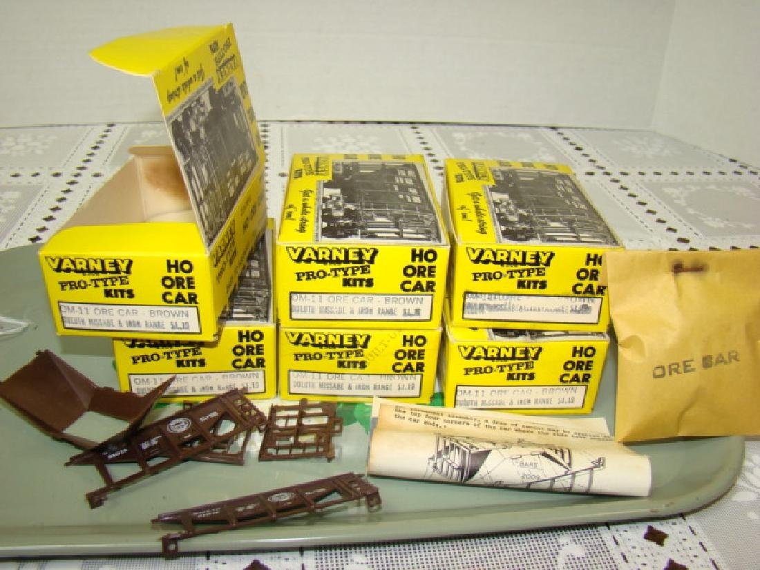 6 VARNEY HO KITS - BROWN ORE CARS DULUTH MISSABLE