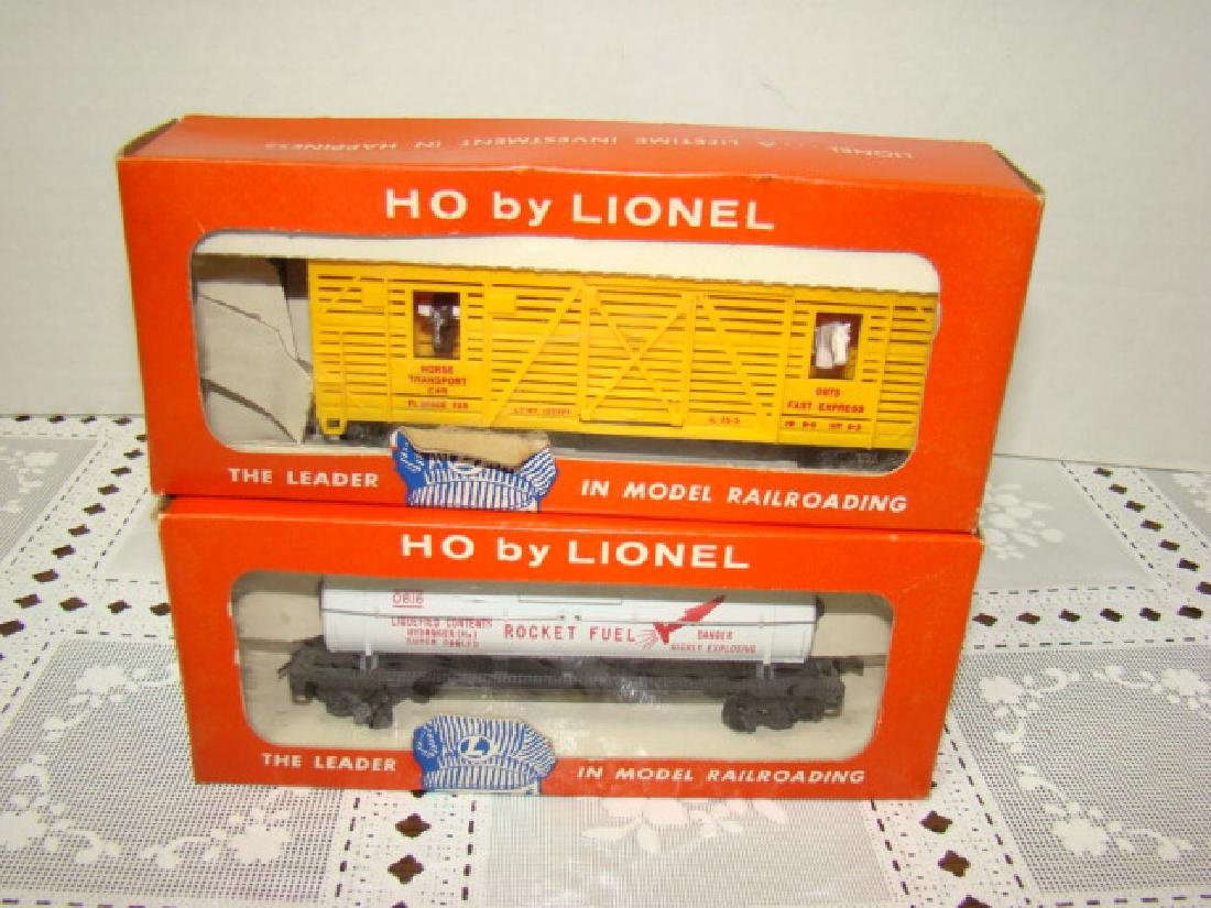LIONEL HO RODEO CAR & ROCKET FUEL TANK CAR- IN ORI