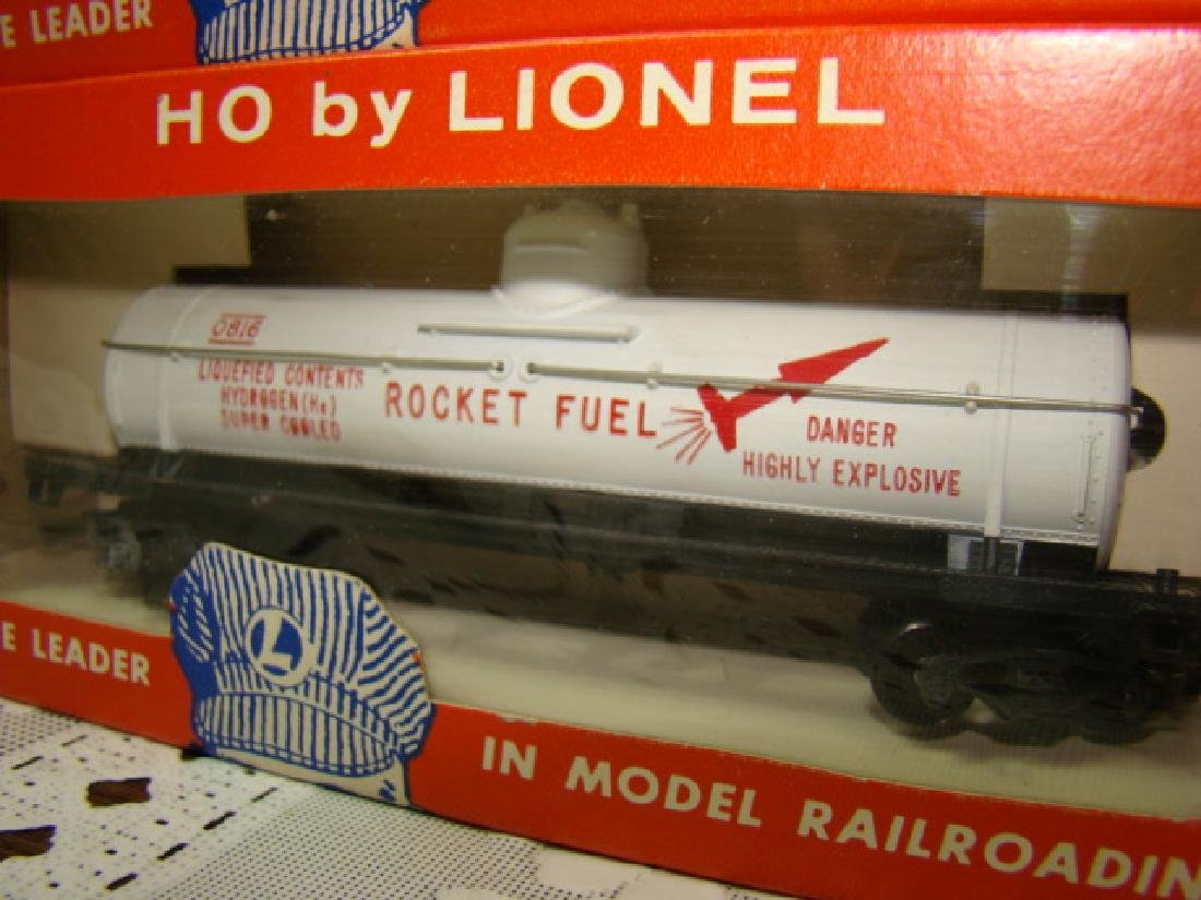 LIONEL HO RODEO CAR & ROCKET FUEL TANK CAR- IN ORI - 4